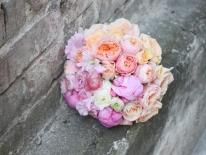 Buchet mireasa trandafiri bujori 02