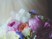 buchet mireasa trandafiri bujori 01
