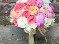 buchet mireasa bujori trandafiri 03