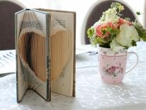 Carte cu inima si flori